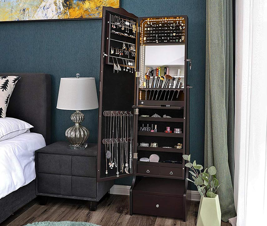Adding luxury and style mirror cabinet to your living room